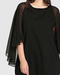 Vestido de mujer talla grande Couchel en color negro con pedrería en cuello  Vestido Con Capa 03556cd0ba56