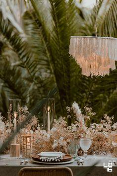 7 Tips for Creating Hottest Wedding Trend: Dried Flower Installations Boho Wedding, Wedding Reception, Destination Wedding, Wedding Flowers, Wedding Planning, Dream Wedding, Wedding Tables, Wedding Dinner, Wedding Summer