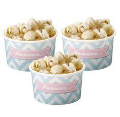 Süße Eisbecher im Chevron Design die man wunderbar mit leckerem selbstgemachten Eis oder anderen Süßigkeiten auf einer Geburtstagsparty oder einer Hochzeit füllen könnt. Ihr habt bestimmt euer Lieblingseisrezept. Die Eisbecher findet ihr bei www.party-princess.de