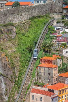 Funicular dos Guindais - Porto - Portugal