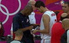 VIDEO: Kobe Bryant Firma El Calzado De Un Jugador De Túnez