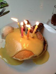 생일파티 팬케이크