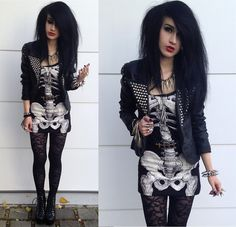 Pumpkins scream in the dead of night. (by Tessa Diamondly) http://lookbook.nu/look/4181364-Pumpkins-scream-in-the-dead-of-night
