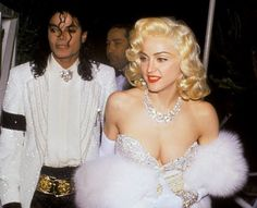 Upon arriving at the ceremony on March Madonna pulled of one of the craziest moments in her career, bringing Michael Jackson as her date! Remember When Madonna & Michael Jackson Dated? Madonna 90s, Madonna Music, Stephanie Seymour, Diana Ross, Michael Jackson 1991, We Will Rock You, The Jacksons, Cultura Pop, Victoria