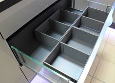 Organizery do szuflad Legrabox Blum Ice Cube Trays, Shelves, Kitchen, Blog, Home Decor, Shelving, Cuisine, Shelving Racks, Kitchens