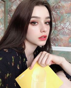 A gallery of pretty girls and beautiful women Pretty Girls, Cute Girls, Beauty Makeup, Hair Beauty, Uzzlang Makeup, Makeup Ideas, Pale Skin, Tumblr Girls, Aesthetic Girl
