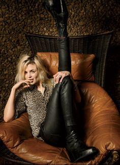 Alison Mosshart 2016 VF Disrupter Look Rock, Rock Style, Divas, Alison Mosshart, Chica Cool, Estilo Rock, Badass Women, Rocker Chic, Grunge Hair