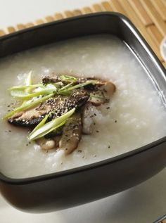 Chia & mushroom congee: a delicious vegan congee, ideal for breakfast or lunch.