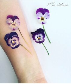 Pis Saro flower tattoo