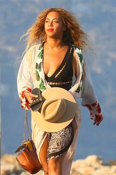 Pin for Later: Beyoncé and Jay Z Take a Relaxing Getaway With Blue Ivy in France
