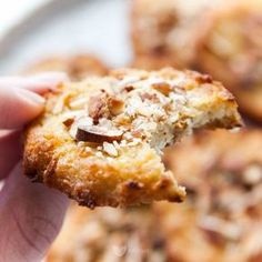 Pumpkin pie spice, cinnamon and sugar - a delicious fall recipe for breakfast or snack. Enjoy Pumpkin Spice Monkey Bread with your morning coffee. Gluten Free Sweets, Vegan Sweets, Healthy Sweets, Baby Food Recipes, Sweet Recipes, Dessert Recipes, Good Food, Yummy Food, Cupcakes