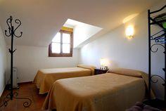 Habitación con dos camas II