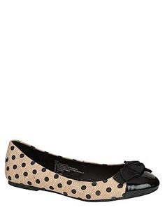 #polka #dot #bow #shoe #flat #black http://pinterest.com/nfordzho/shoes-flats/