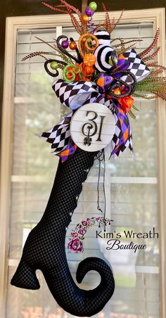 Halloween Sewing, Halloween Ribbon, Fall Halloween, Halloween Crafts, Halloween Decorations, Halloween Wreaths, Diy Spring Wreath, Autumn Wreaths, Funny Valentines Gifts
