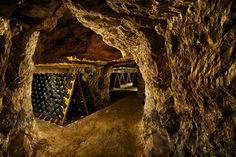 Les caves Pannier : De grandes maisons de Champagne seront présentes le 13 mai à Paris. L'occasion de déguster les bulles et d'en savoir plus sur les visites de caves.
