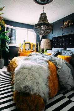 A Delightfully Dark & Dramatic DIY Rental Home: gallery image 18 painting ideas diy design Cute Dorm Rooms, Cool Rooms, Find Furniture, Furniture Design, Furniture Buyers, Outdoor Furniture, Diy 2019, Home Interior Design, Luxury Interior