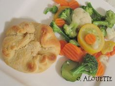 Chicken Pockets - looks yummy and easy...my two favorite things when it comes to dinner