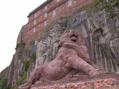 Le Lion sculpté par Batholdi est le symbole de la ville de #Belfort. #France