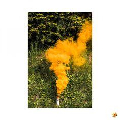 Rauchfackel Orange 60 #pyrotechnik #pyro #rauch #rauchfackeln