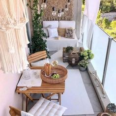 71 Comfortable Home Balcony Decoration Design and Ideas - Balcony Decor - Balkon Small Balcony Design, Small Balcony Decor, Terrace Design, Balcony Ideas, Outdoor Balcony, Modern Balcony, Tiny Balcony, Small Balconies, Small Patio Ideas Townhouse