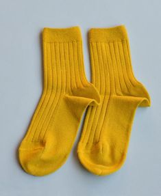 Our favourite Spanish socksare designed and manufactured in Barcelona. Their simple lines are a staple in every wardrobe. A kaleidoscope of colours are available from newborns to 12 year olds. Their classic ribbed style make a statement all on their own.75% Cotton, 22% Polyamide, 3% Elastane.
