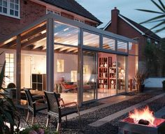 Double Glazed Lean To Conservatories from Crown Conservatories & Windows in Fleet & Reading. A Lean To Conservatory is a practical & versatile conservatory.
