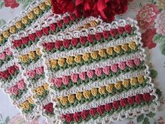 """""""Flowers in a Row"""" Dishcloth, free pattern"""