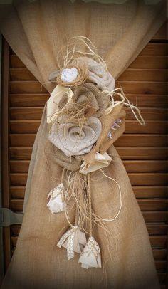 Jute-Blumen-Vorhang Tie zurück Sackleinen Rosen von MyBurlapStudio Shabby Chic Flowers, Diy Home Decor, Reusable Tote Bags, Curtains, Etsy, Modern Farmhouse, Remodeling, Vintage, Bedroom