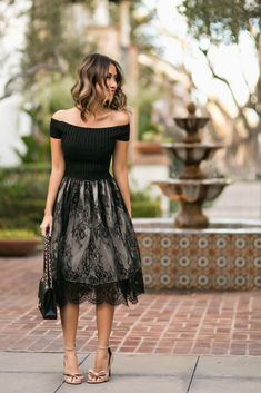 Valentines lace look & idiamond earring giveaway Black Lace Skirt, Black Lace Tops, Black Laces, Classy Outfits, Beautiful Outfits, Beautiful Women, Lace Skirt Outfits, Dress Shoes, Shoes Heels