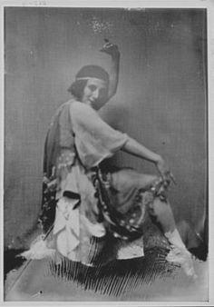 Pavlova,Anna,Madame,dancers,portrait photographs,women,i,A Genthe,1915