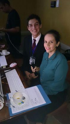 Aqui con mi compañero de producción, hoy soy la voz de las pasarelas del #CaliAfroshow205, feliz y agradecida