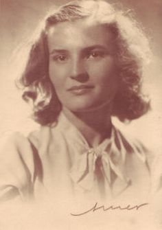 Carmen Laforet (Barcelona, 1921 - Madrid, 2004)