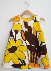 Eilen Design - Kierrätyskankainen keltainen kukkamekko