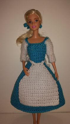 Barbie haakpatroon Belle en beest jurk van TallicaDesigns op Etsy. Crochet pattern for Barbie. Dress from the Beauty and the beast.