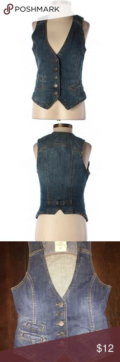 Cute denim vest! Perfect condition worn once! Tag says size 6 fits like a small H&M Jackets & Coats Jean Jackets