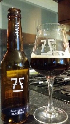 7 Fjell Bryggeri Svartediket Black IPA. Watch the video beer review here www.youtube.com/realaleguide #craftbeer #realale #ale #beer #beerporn #beerlove #Beergasm #NorwegianCraftBeer #norwegianbeer #CraftBeerNotCrapBeer #craftbeerporn #CraftNotCrap #PinterestBeer #BrewPorn #7FjellBryggeri #7Fjell #7FjellSvartediketBlackIPA #7FjellSvartediket #SvartediketBlackIPA #BlackIPA #IPA