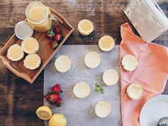 Mini Lemon cheesecakes with Lemon curd – The Hot Mess