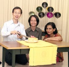 Singapore Saturn Bubbler Birthday