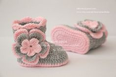 Crochet baby booties and hat set, baby girl set, baby girl shoes, baby beanie, flower set. Made from acrylic yarn. Size : 0-3 months. Booties: sole length approx. 9 cm.- 3 1/2 inches Hat: circumference approx. 35,5 cm- 14 inches, height approx 14 cm - 5 1/2 inches Size 3-6 months: