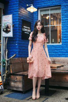 Outfit Ideas │ Fashion Style Inspiration │ Korean Chic Looks │ Pretty Dresses Long Skirt Fashion, Korean Fashion Dress, Korean Dress, Ulzzang Fashion, Asian Fashion, Look Fashion, Fashion Dresses, Modest Dresses, Simple Dresses