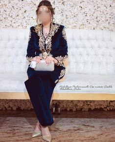 Traditional Looks, Traditional Dresses, Velvet Dress Designs, Arabic Dress, Asian Bridal Dresses, Hijab Fashionista, Afghan Dresses, Make Up Videos, Eyebrows