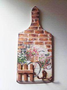 Vágódeszka újrahasznosítás New Crafts Painting On Wood Altered Art Bedroom Decor Woodworking Wood Paintings Wooden Art Stone Crafts Wooden Chest New Crafts, Hobbies And Crafts, Clay Crafts, Wood Crafts, Diy And Crafts, Arts And Crafts, Decoupage Vintage, Decoupage Art, Bottle Art