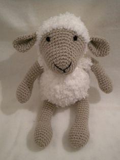Adorable doudou mouton fait main crochet