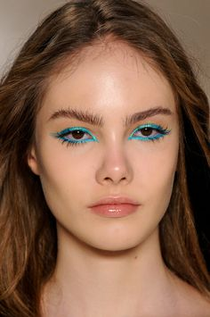 Gorgeous. So beautiful and natural looking but still such a pop of colour! Makeup at Amapô S/S 2013/2014, São Paulo Fashion Week