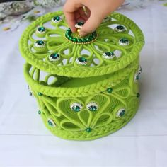 DIY Jewellery box with woolen and newspaper. Follow our blog for more DIY ideas.