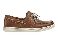 Introducing the Chace — a nautical newcomer that is equal parts form and function. From its decorative sidewall stitching to its siped rubber outsoles this two-eyed boat shoe is as comfortable on a wave swept deck as a rain soaked sidewalk.