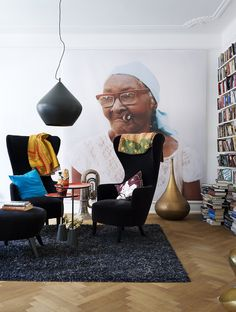 Another example of how to use a photo mural in a living room