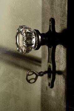 love glass doorknobs