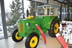 Continents, Cars And Motorcycles, History, Green, Pictures, Tractor, Photos, Historia, Photo Illustration