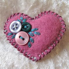 A cute little hand-stitched felt brooch for your lapel or bag. Take a scrap of soft wool-blend felt and a handful of tiny buttons. Felt Embroidery, Felt Applique, Fabric Crafts, Sewing Crafts, Diy Buttons, Felt Decorations, Heart Crafts, Felt Brooch, Felt Patterns